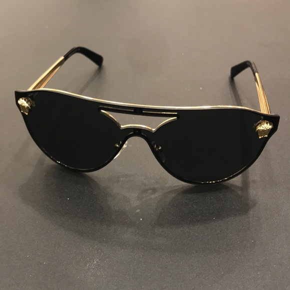 72a9c59a455 Versace Accessories